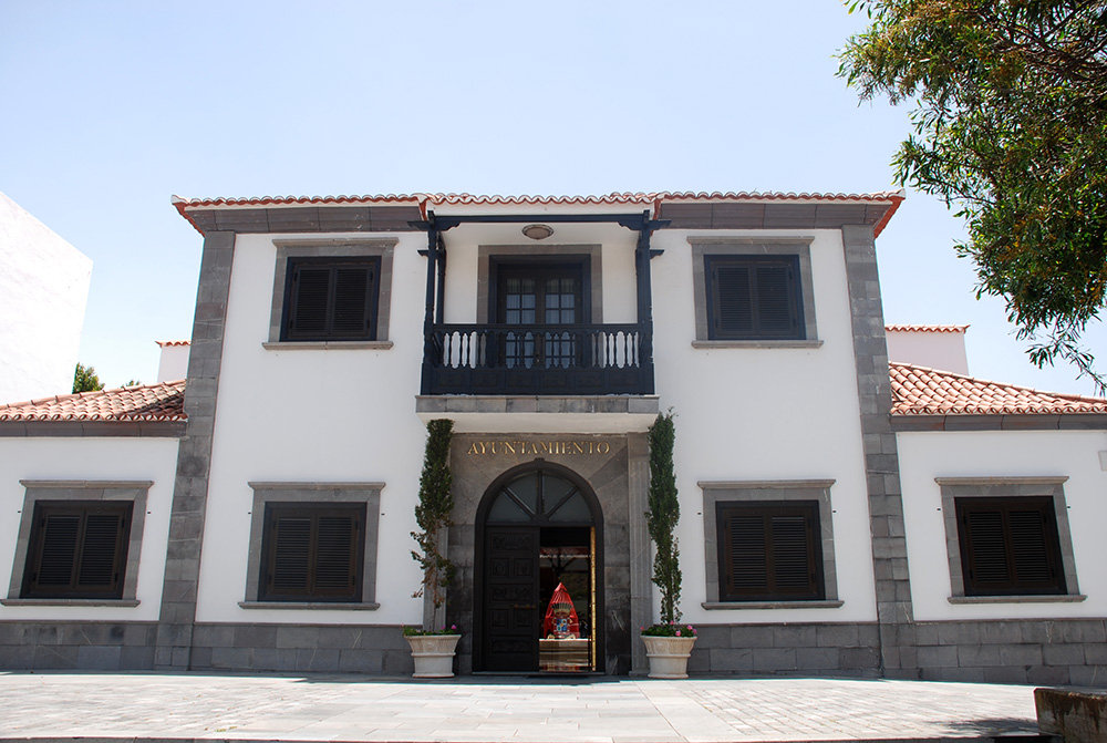 Resultado de imagen de ayuntamiento santiago del teide