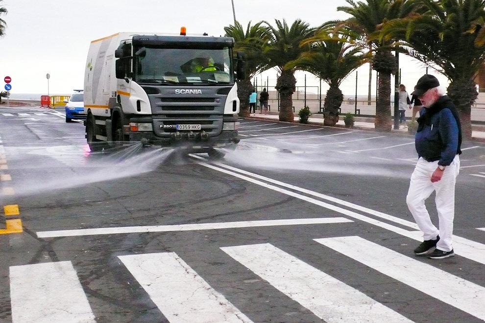 La Zona Comercial Abierta de Los Cristianos,exige al Ayuntamiento que cumpla sus compromisos en materia de limpieza