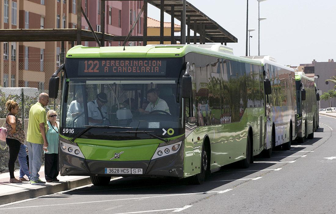 Cabildo de Tenerifecrea abonos turísticos para incentivar el uso del transporte público
