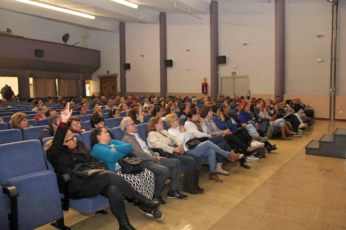 M s de un centenar de personas se interesan en la charla for Clausula suelo significado