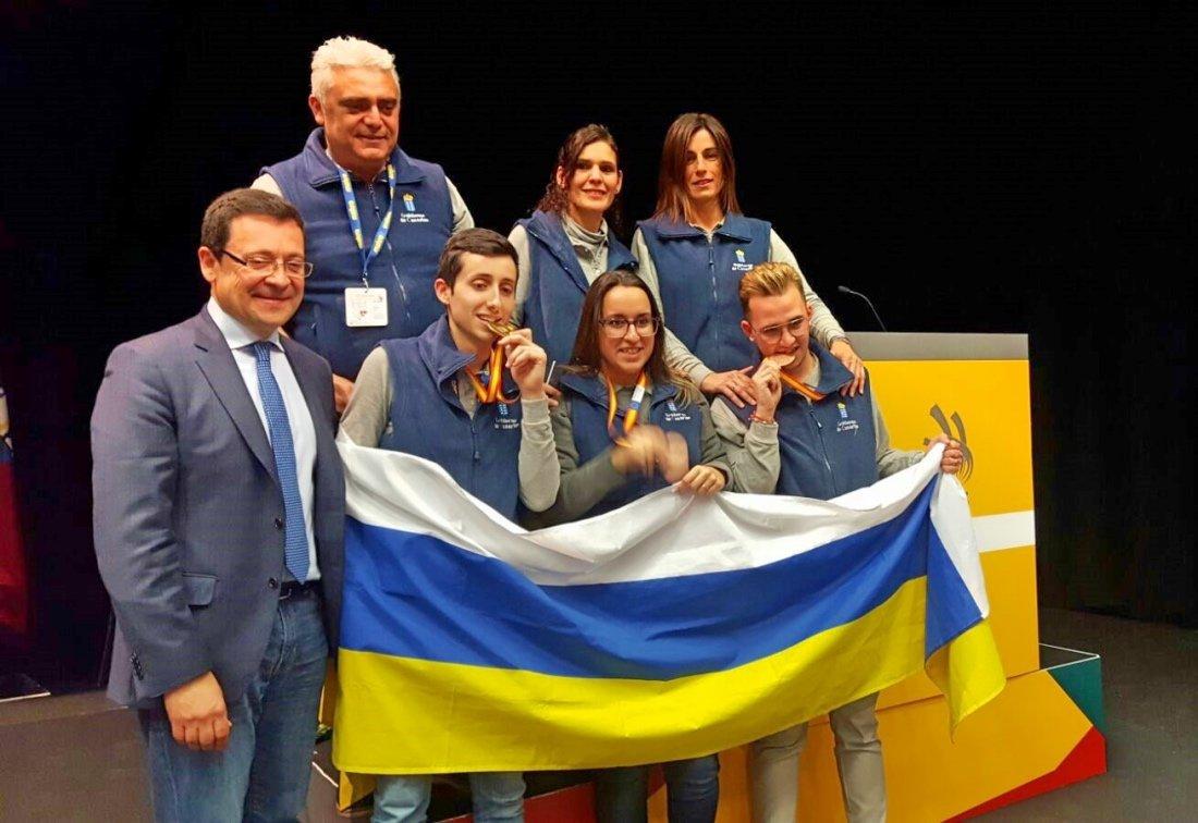 Un oro y dos bronces para canarias en el campeonato for Formacion profesional cocina