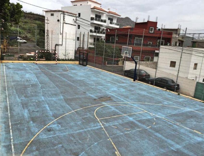 Arona sustituir el pavimento asf ltico de ocho canchas for Pavimentos y suministros del sur
