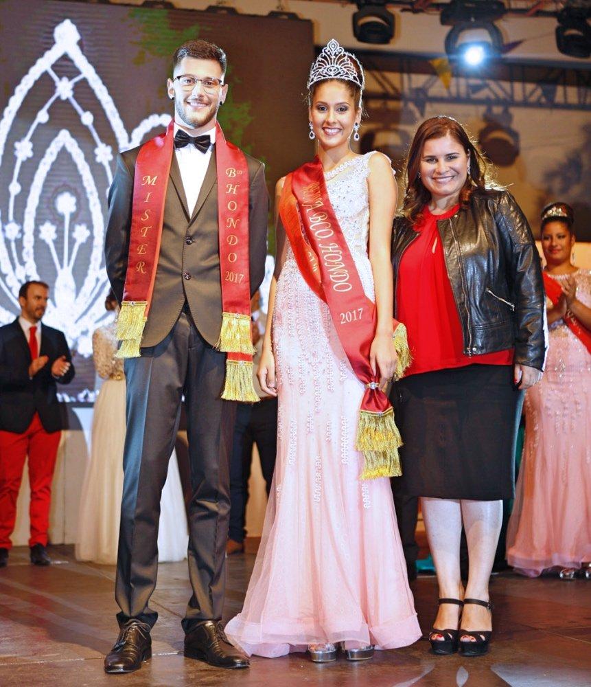 3fd47e484c La Gala de Elección de Reina y Míster de las Fiestas contó con un emotivo  homenaje