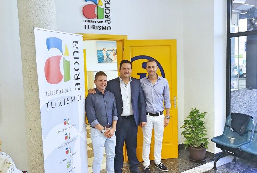 Turismo reabre en el centro cultural la oficina de for Oficina turismo tenerife