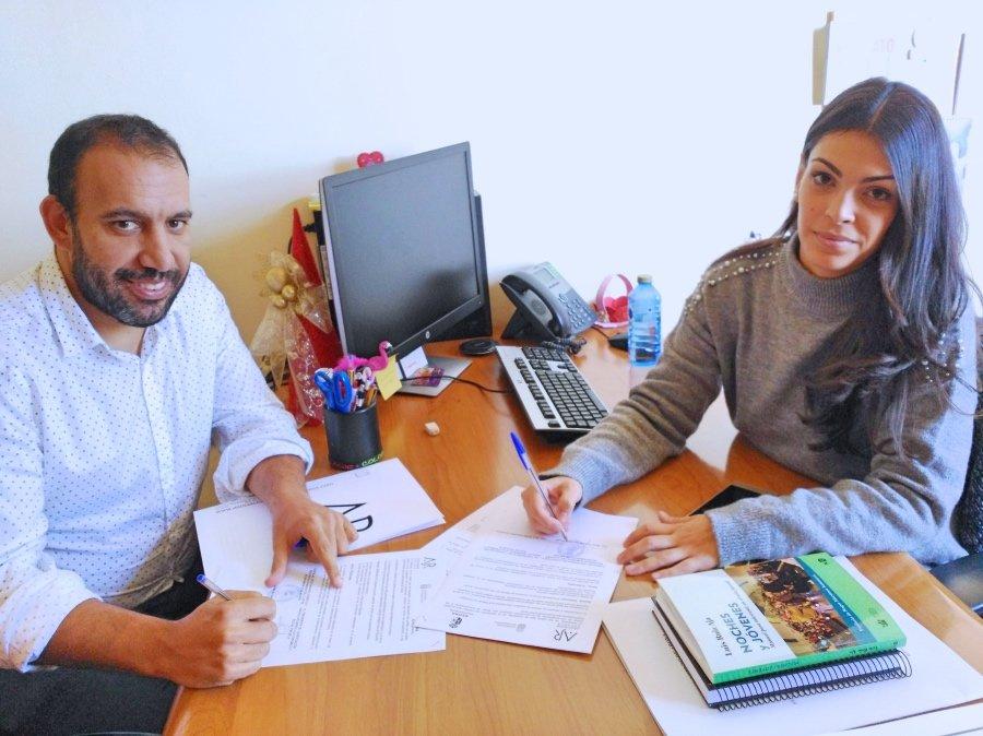 La concejal a de juventud y la asociaci n rayuela se unen for Convenio oficinas y despachos tenerife