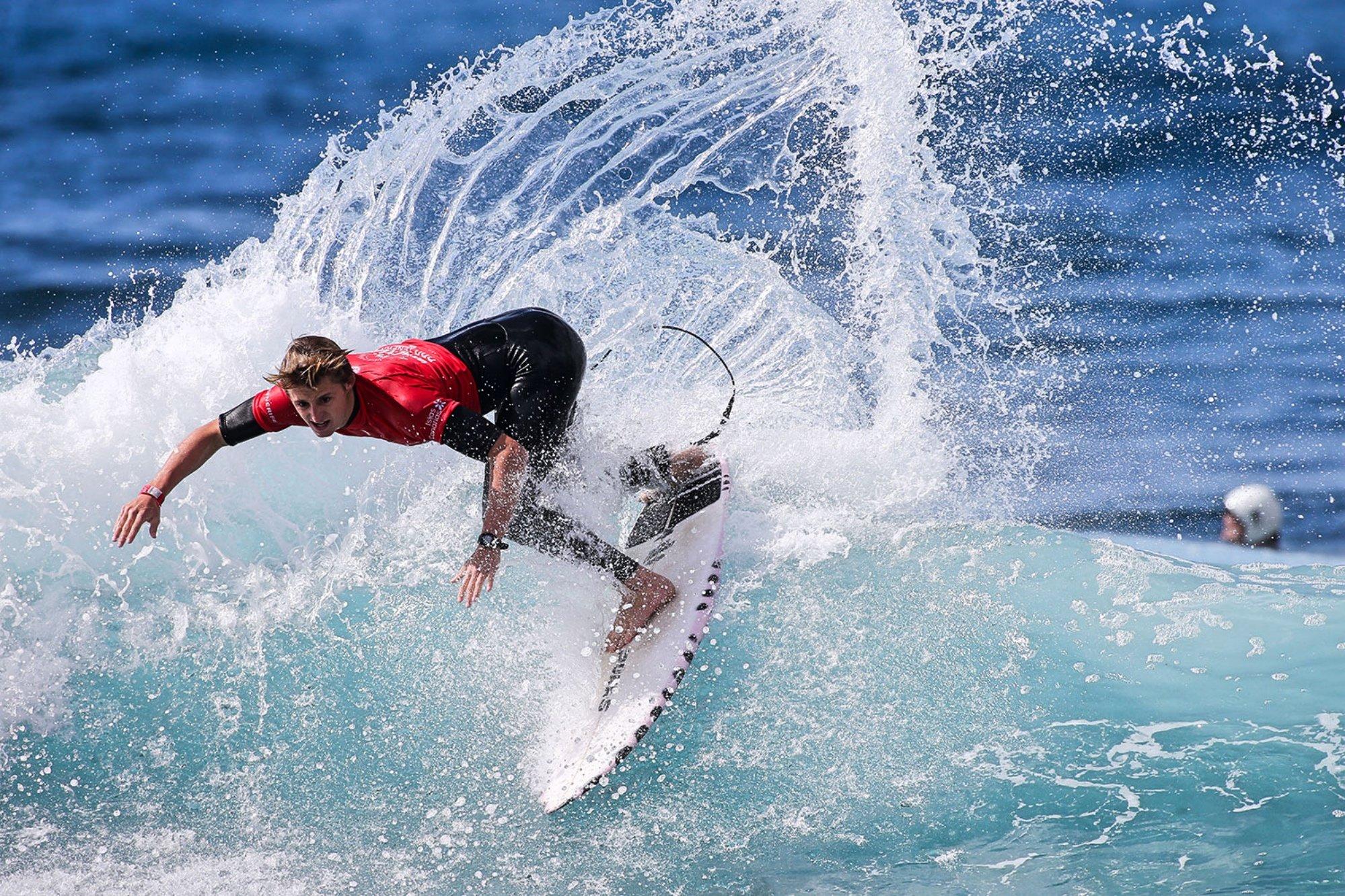 Circuito Mundial De Surf : Las victorias de rubén vitoria y de mikaela greene coronan en arona