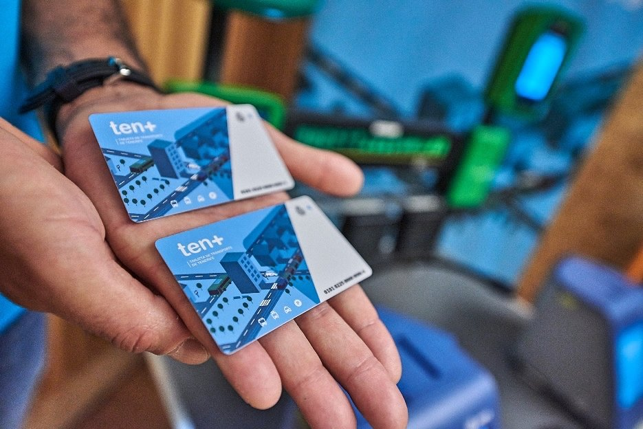 Titsa rebaja a dos euros el importe mínimo de recarga de la tarjeta Ten+