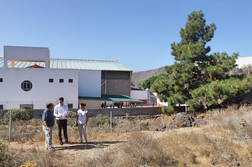 Resultado de imagen de El Ayuntamiento adquiere una parcela adyacente al colegio de Tamaimo para su futura ampliación y la construcción de un aula enclave