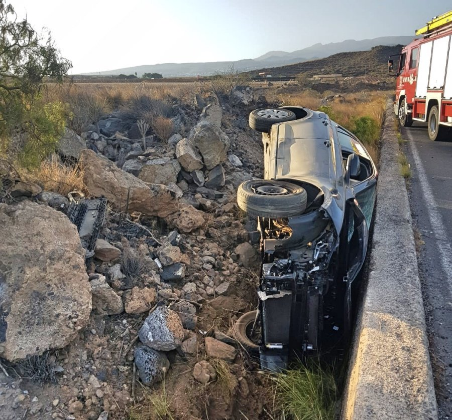 Bomberos de Tenerife interviene en un accidente en Granadilla de Abona