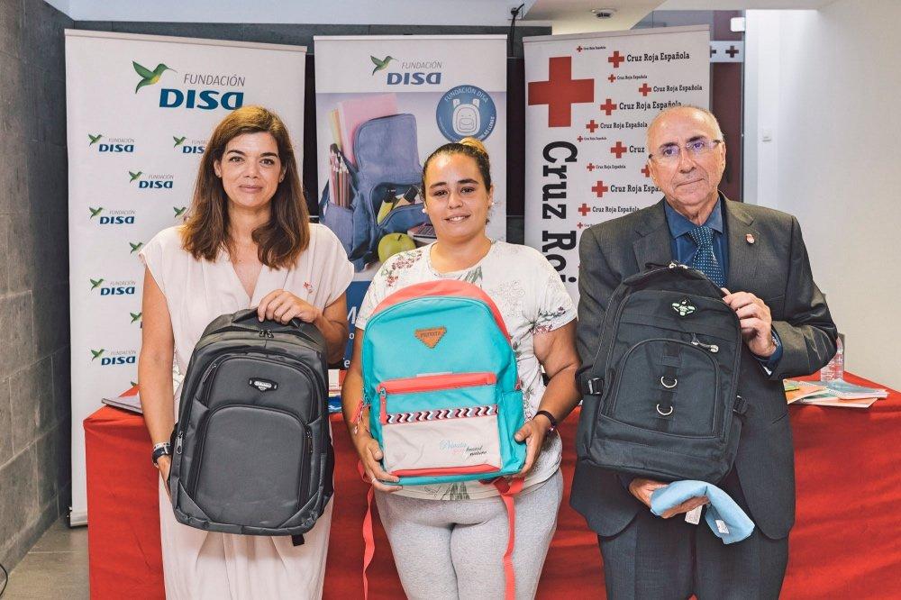 """Resultado de imagen de La Fundación DISA y Cruz Roja ayudan a las familias canarias en """"la vuelta al cole"""""""