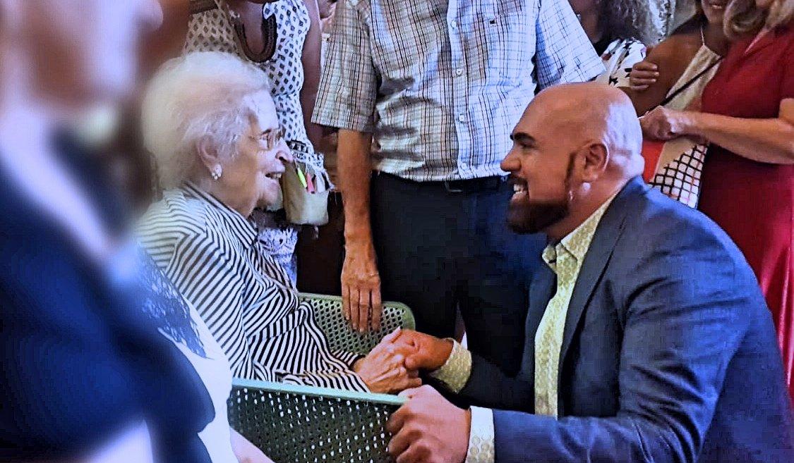 Rosenda Turumbull Álamo, la portuense centenaria es felicitada por el alcalde Marco González