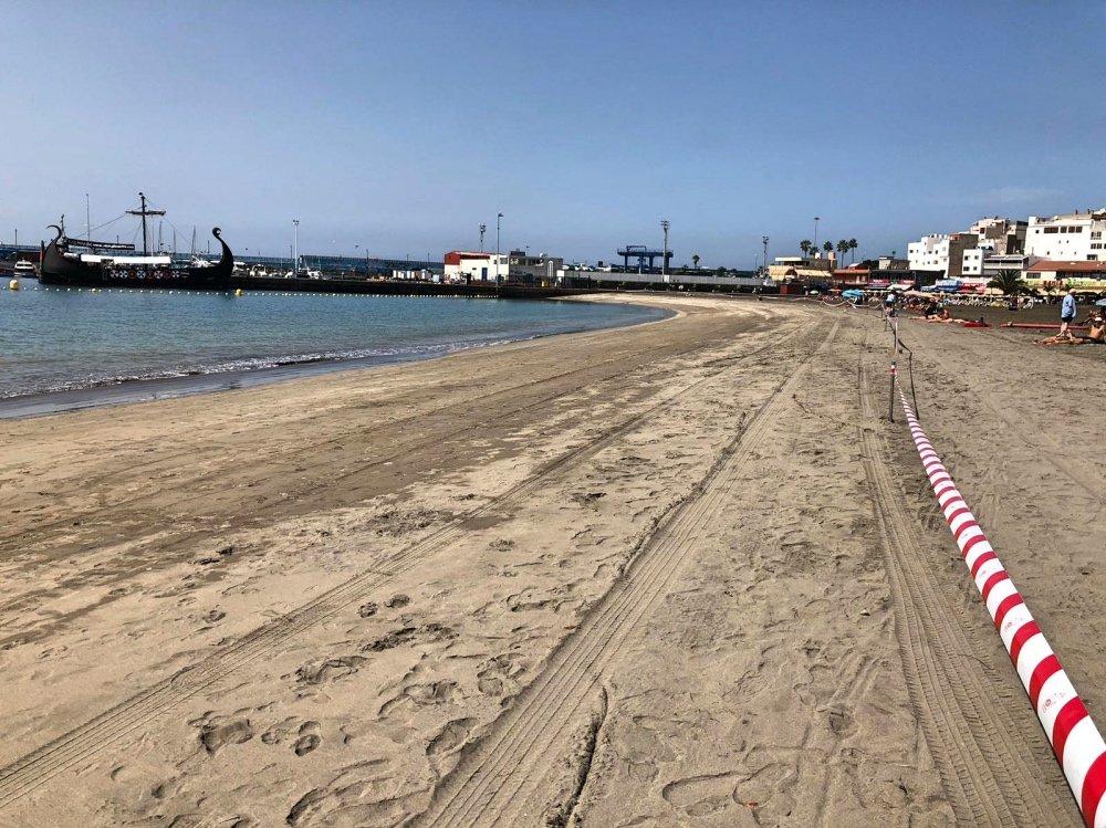 Cerrada la Playa de Los Cristianos por la presencia de la bacteria E.coli