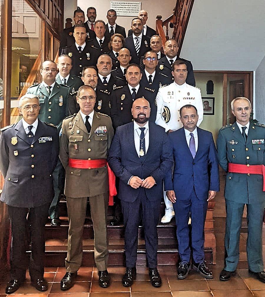 El Ayuntamiento acogió la entrega de reconocimientos por la labor de servicio público que distingue a las fuerzas y cuerpos de seguridad del Estado