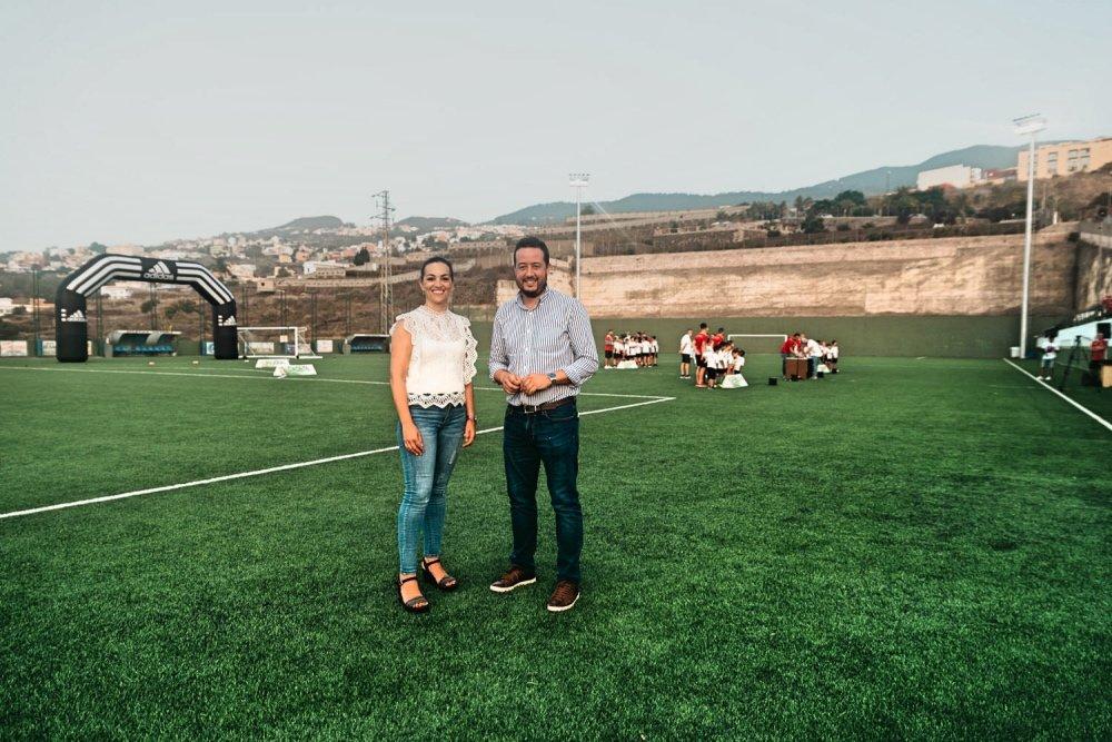 Resultado de imagen de El Ayuntamiento de La Victoria presenta las mejoras ejecutadas en el Campo Municipal de Fútbol