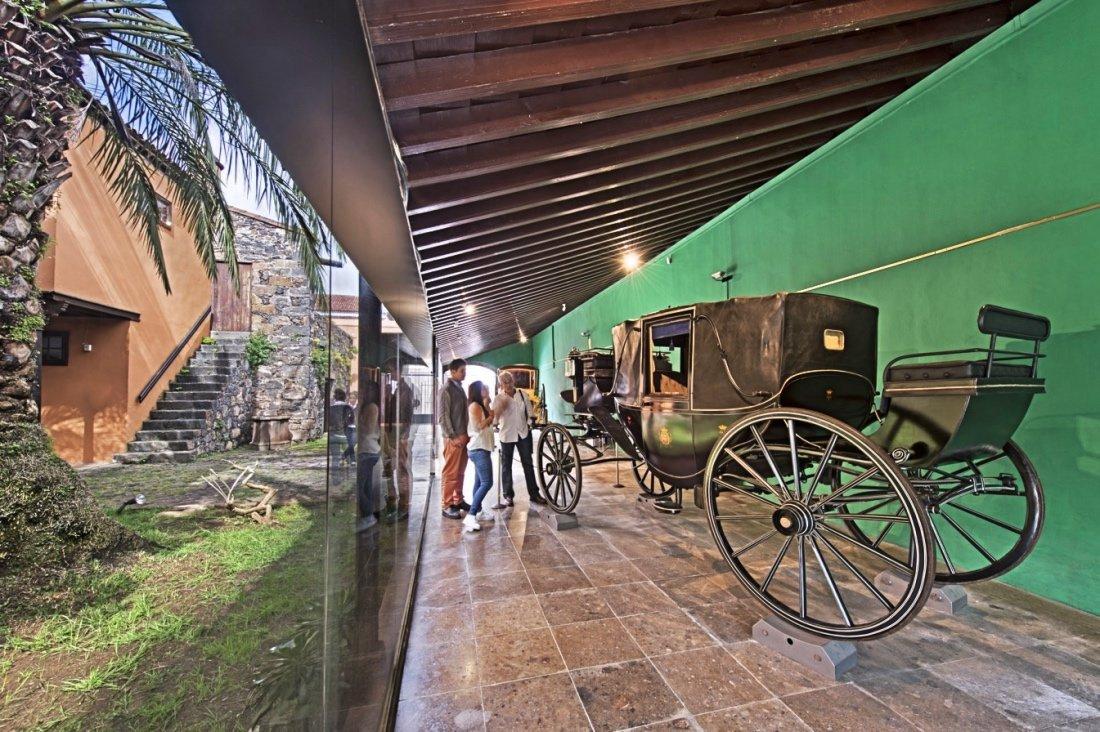 La Plaza del Adelantado, la Catedral, el antiguo convento de San Agustín y la Casa Lercaro de La Laguna conforman las cuatro paradas del recorrido del domingo 13 de octubre, que comienza al mediodía y dura dos horas