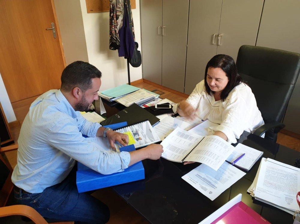 Resultado de imagen de El alcalde se reúne con la consejera insular de Acción Social para desbloquear la Residencia de Mayores