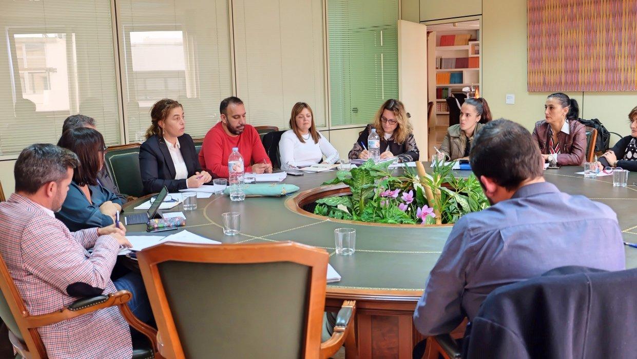 El Gobierno de Canarias prepara acciones conjuntas con otras administraciones frente a los desahucios