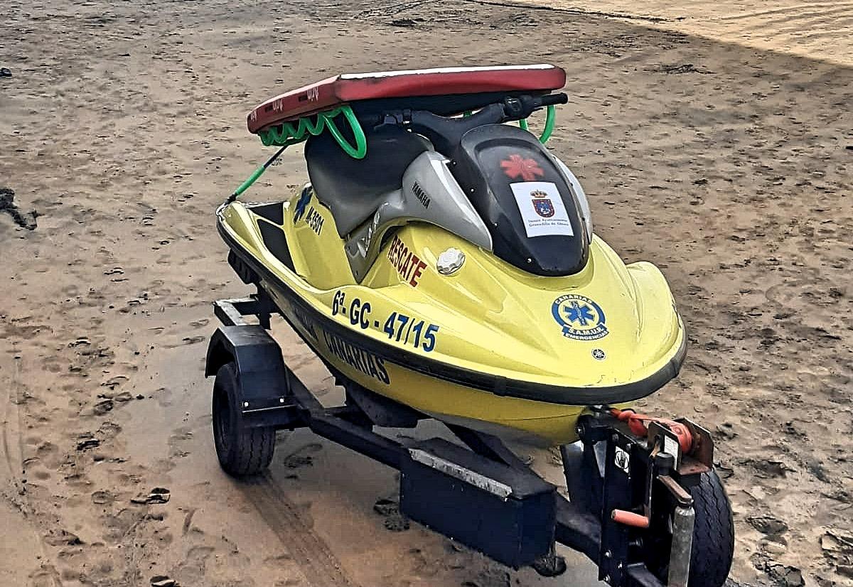 UGT denuncia que la inoperancia de vigilancia de la playa de El Médano puso en riesgo la vida de un windsurfista