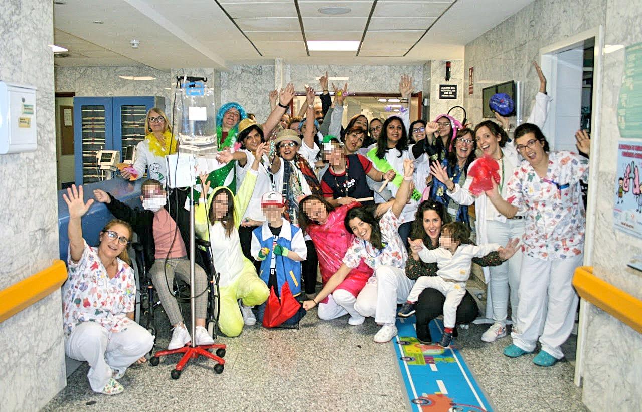 Los pacientes pediátricos del Hospital de La Candelaria disfrutan de una jornada de carnaval