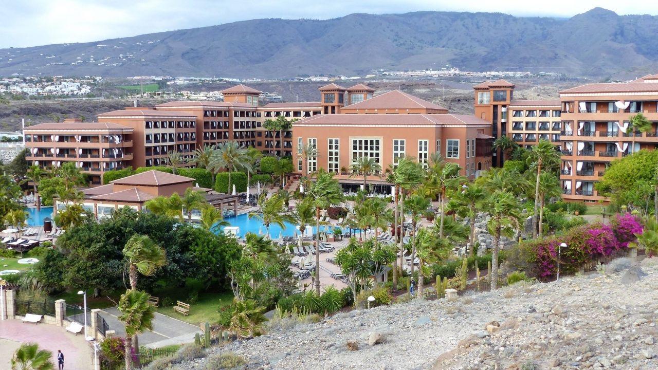 Unas 1.000 personas están en aislamiento en el hotel Costa Adeje Palace H10  en el sur de Tenerife