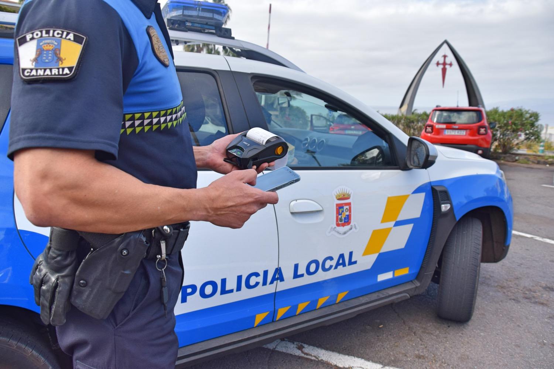 El Ayuntamiento incorporaa la Policía Local un sistema pionero en Tenerife para agilizar las denuncias en materia de tráfico