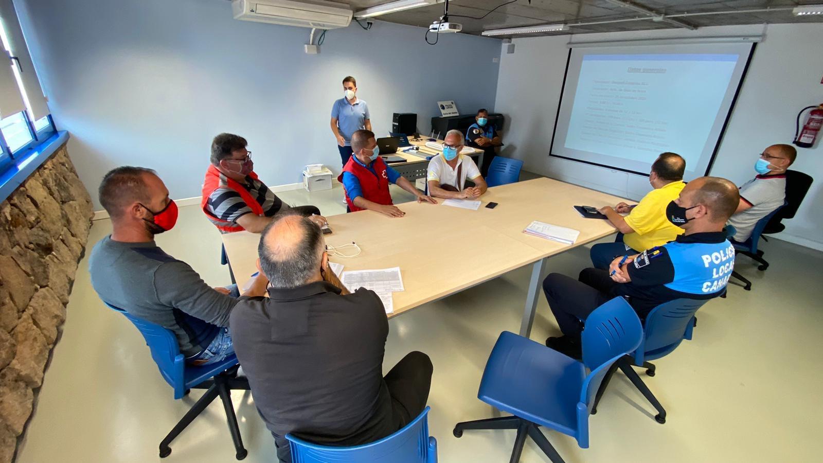 La Concejalía de Deportes y la empresa organizadora Gesport Canarias se reúnen con el resto del equipo del Plan de Seguridad de la Carrera, en el que participan Policía Local, Bomberos, AEA y Cruz Roja. La ceremonia de premios se celebrará con posterioridad.
